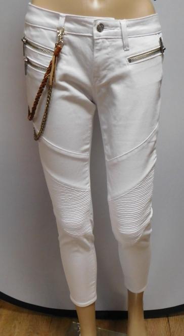 Jeans mit Kette